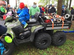 Spennende for store og små å prøvesitte ATV!